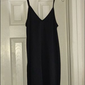 Dresses & Skirts - Nice slip dress/nightgown. Size M/L. V-neck
